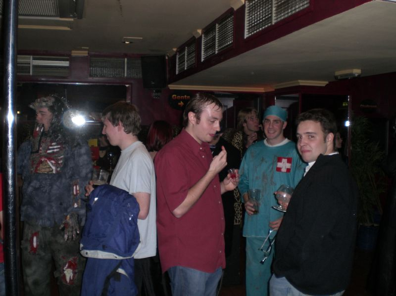 gal/Parties_and_Nights_Out/SUCS_Halloween_2006/CIMG1005.JPG