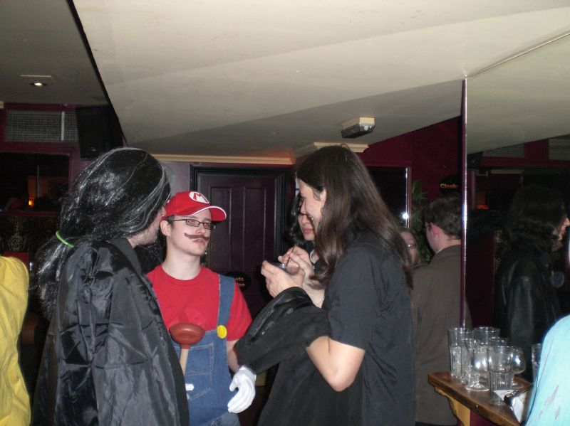 gal/Parties_and_Nights_Out/SUCS_Halloween_2006/CIMG1019.JPG
