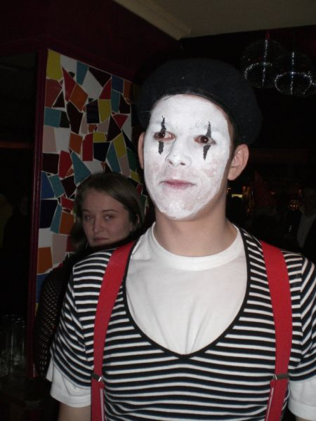 gal/Parties_and_Nights_Out/SUCS_Halloween_2006/CIMG1066.JPG